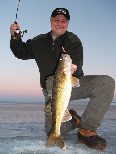 green bay ice fishing guide and ice shack rental